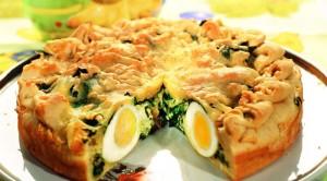 Пасхальный пирог с яйцом и шпинатом