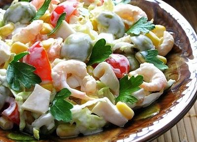 Нежный салат с морепродуктами