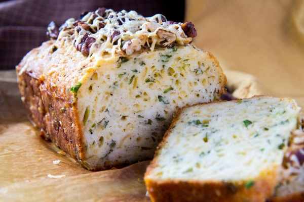 keks s zelen`u i syrom