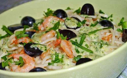 Салат с виноградом и креветками
