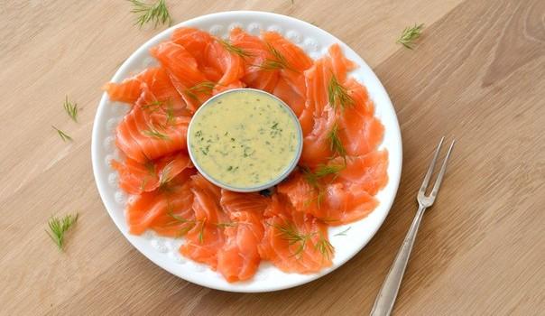 Филе лосося в соусе по-домашнему