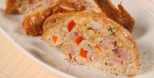 Курица, фаршированная сыром и ветчиной